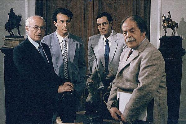 دانیال حکیمی در کنار بازیگران مرحوم + عکس