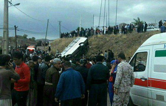 واژگونی مینیبوس با ۱۸ کشته و مصدوم در کرمانشاه