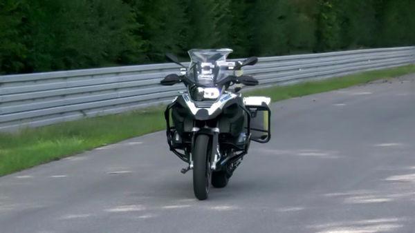 موتورسیکلت خودران BMW معرفی شد