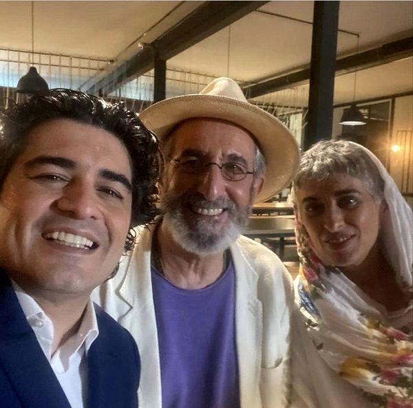 پیانیست مشهور در کنار زوج بازیگر + عکس