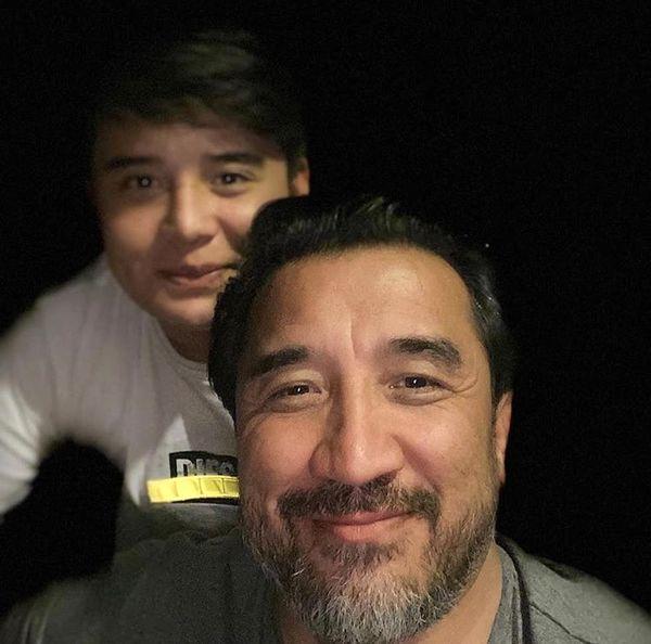 سلفی خداداد عزیزی با پسرش + عکس