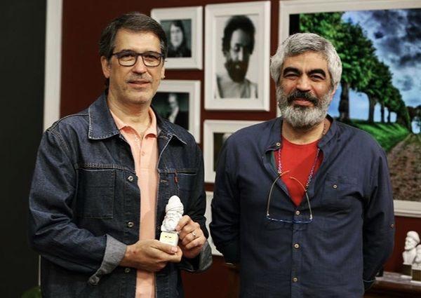فرهاد جم در کنار نویسنده و کمدین مشهور + عکس