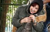 بازیگر زن زیر آسمان شهر در چنگال ببر+عکس