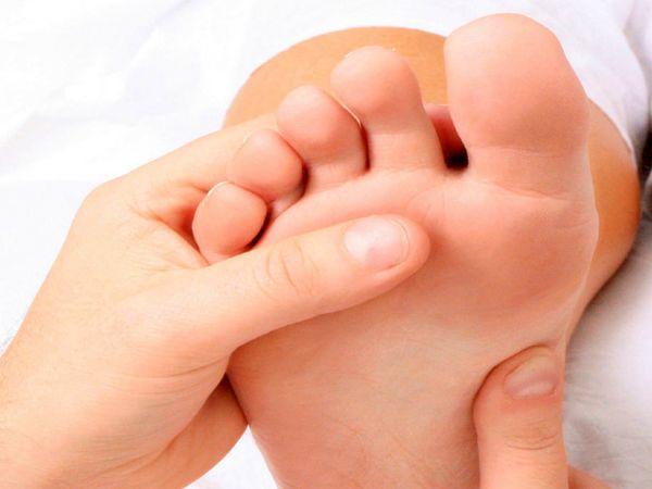 8 علامت در پاها که خبر از بیماری می دهد