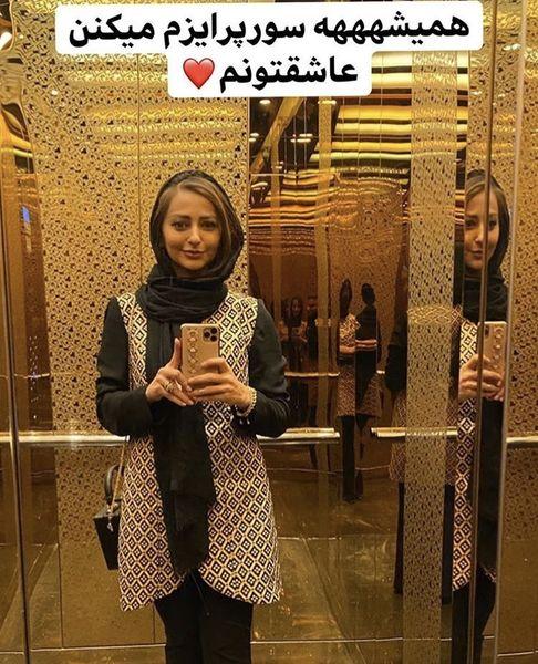 خانم بازیگر در آسانسوری لاکچری + عکس