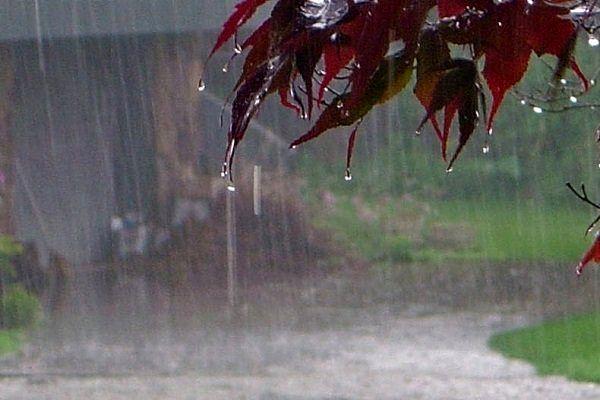 محورهای مسدود و دارای بارش باران