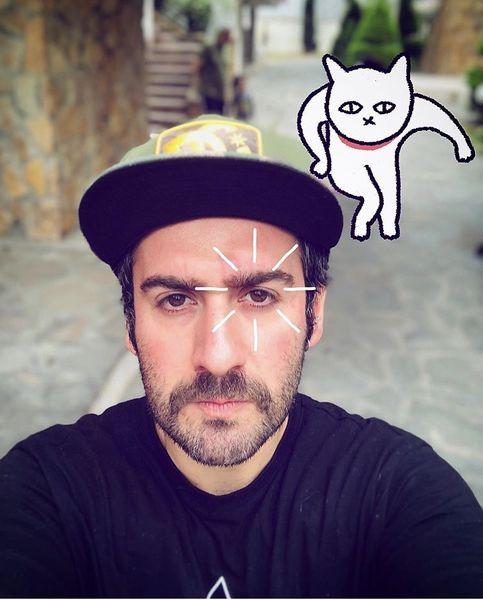 سلفی نیما شعبان نژاد با گربه انیمیشنی + عکس