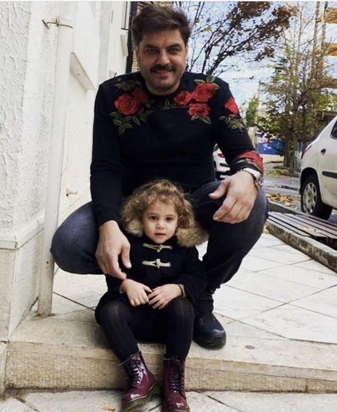 گشت و گذار سام درخشانی و دخترش در خیابان + عکس
