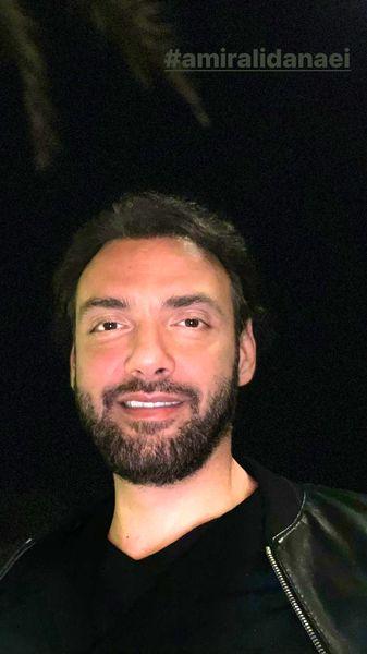سلفی شب هنگام آقای بازیگر + عکس