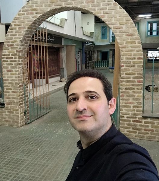 گشت و گذار سعید شیخ زاده در مناطق قدیمی + عکس