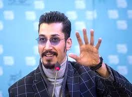 عکسی از قد بلندترین بازیگر ایران