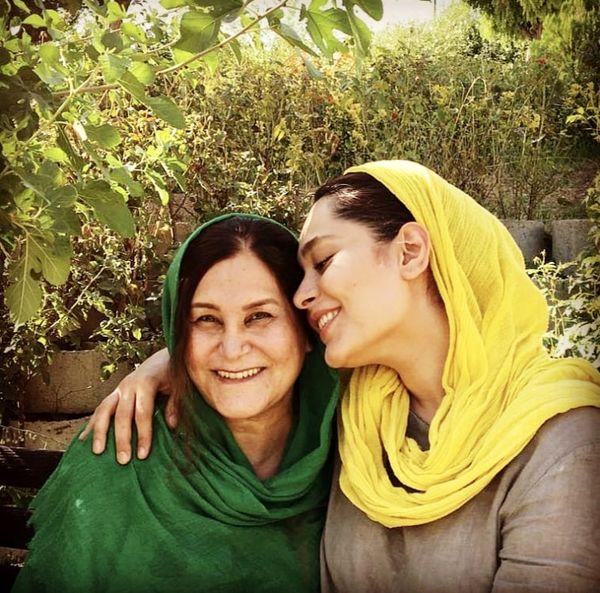سانیا سالاری و مادرش + عکس