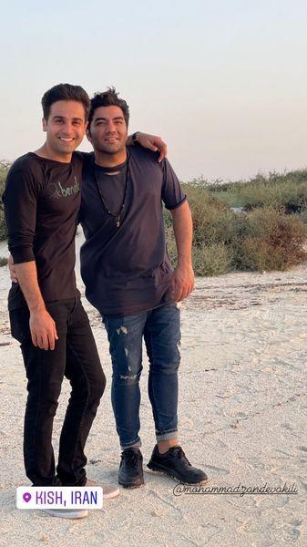 آرمان درویش و دوستش در کویر + عکس