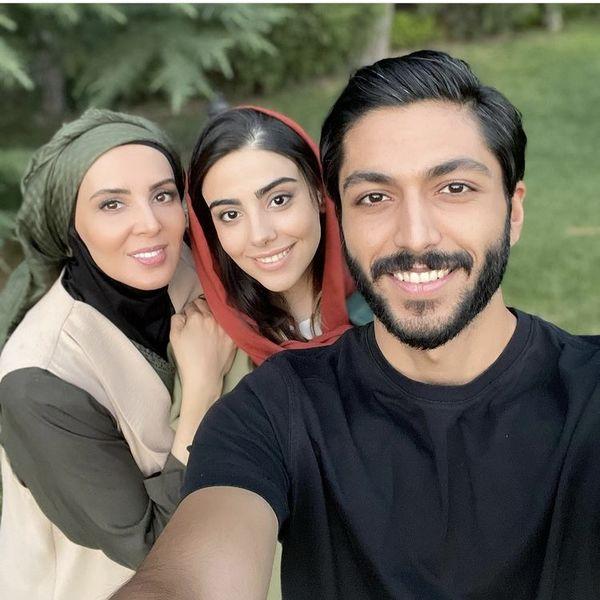 سلفی لیلا بلوکات با دوستان از سرنوشتی اش + عکس