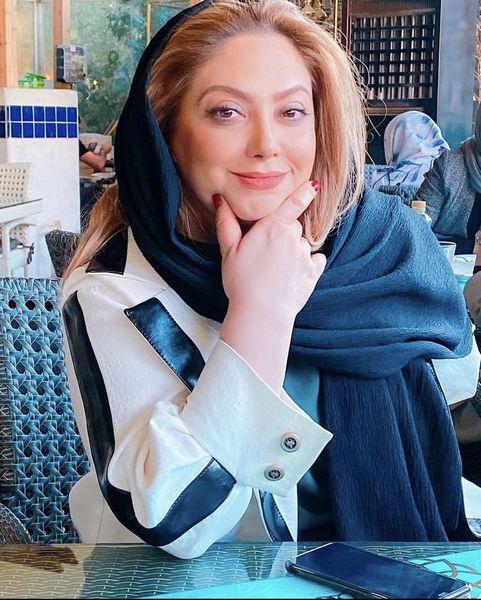 مریم سلطانی در یک رستوران + عکس