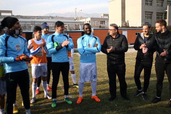 مومنی: بازیکنان جدید استقلال باید در میدان خودشان را ثابت کنند