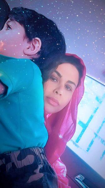 عکس جدید یاسمینا باهر با پسرش