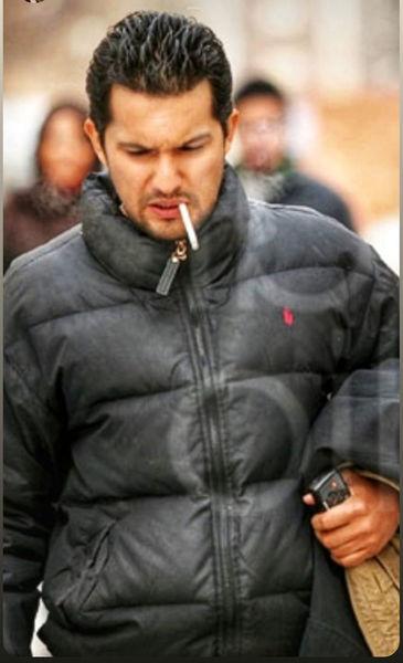 سیگار کشیدن حامد بهداد در خیابان + عکس