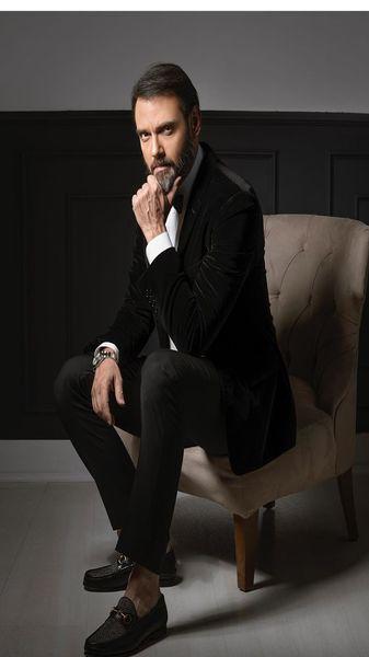 امیرعلی دانایی با لباس رسمی + عکس