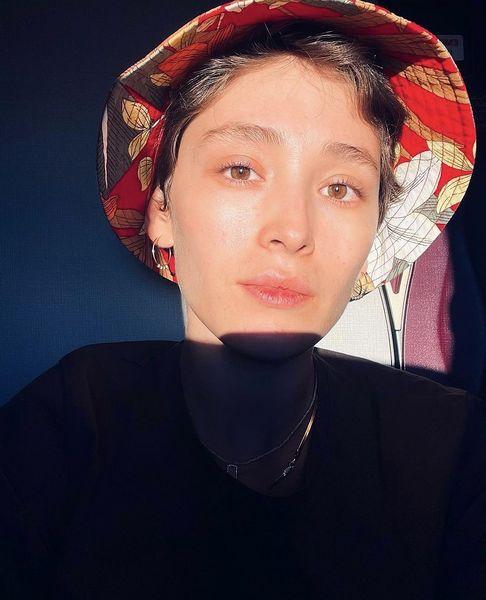 فرشته حسینی با کلاه + عکس