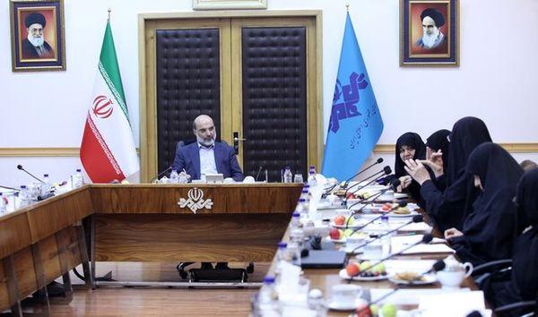 بررسی الگوی شهرهای اسلامی ایرانی در یک کمیته شورایعالی انقلاب فرهنگی