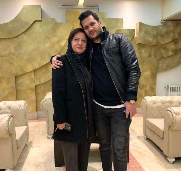 سیاوش خیرابی در کنار مادر جوانش+عکس