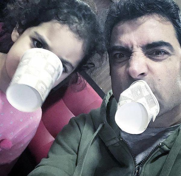 شیطنت های منوچهر هادی با دخترش + عکس