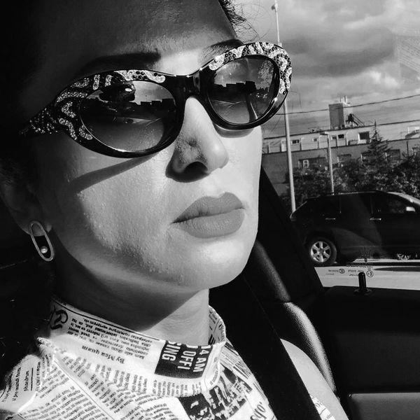خارج گردی خانم بازیگر با ژست های خاصش+عکس