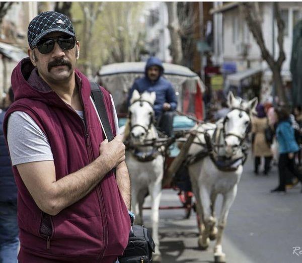 محمد نادری در بازار تهران + عکس
