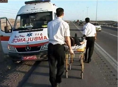 در برخورد پژو با مینیبوس2نفر کشته و 8 مجروح راهی بیمارستان شدند