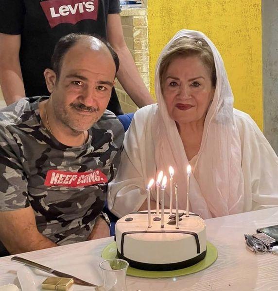 مهران غفوریان و مادرش در تولد + عکس