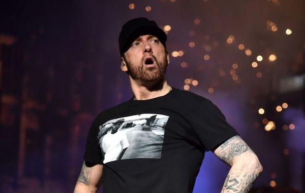شلیک گلوله در کنسرت خواننده معروف