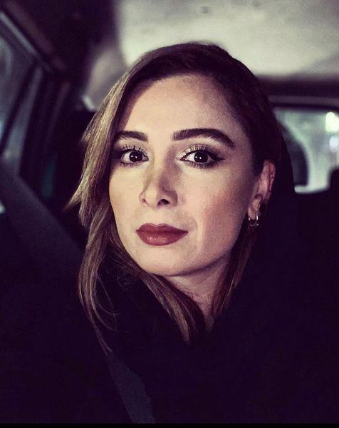 فرناز رهنما در ماشین شخصی اش + عکس