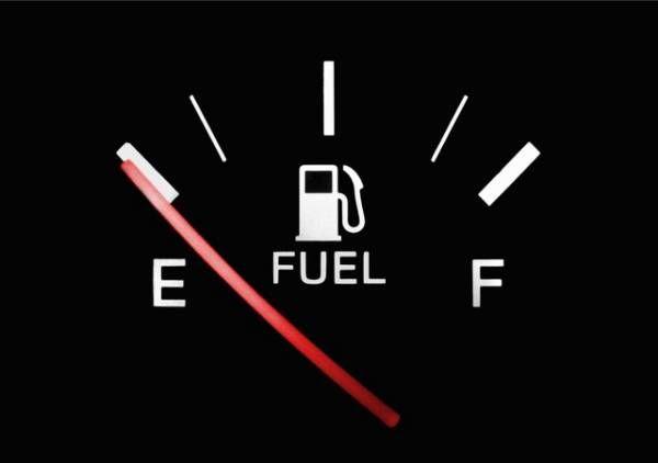 پس از روشن شدن چراغ اخطار بنزین چند کیلومتر می توان رانندگی کرد ؟