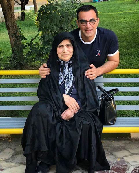 کوروش سلیمانی و مادر عزیزش در پارک + عکس