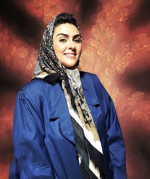پوشش متفاوت بازیگر زن کلبه ای در مه /عکس