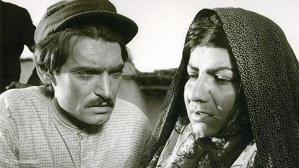 جوانی محمود دولتآبادی در فیلم «گاو»+عکس