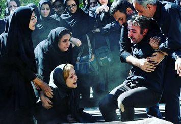 عزاداری و زجه گلاره عباسی با حال پریشان+عکس