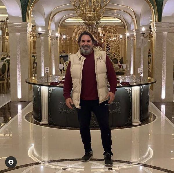 داریوش سلیمی در هتلی در مشهد + عکس