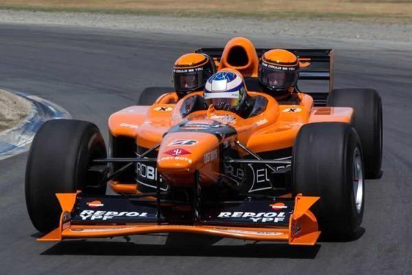 فروش خودروی فرمول یک تیم Arrow AX3 با ظرفیت ۳ سرنشین