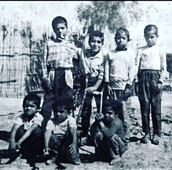 عکس زیرخاکی از کودکی رضا صادقی