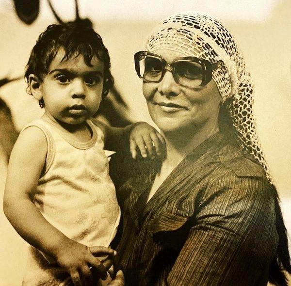 کودکی های پولاد کیمیایی در آغوش مادرش + عکس