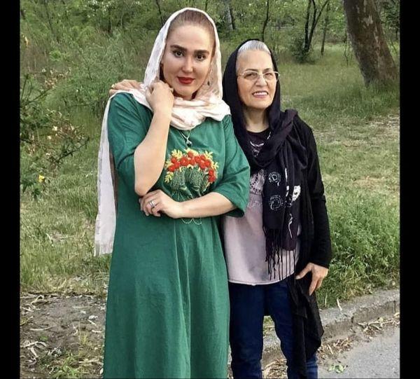 زهره فکور صبور و مادرش + عکس