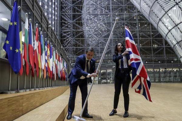 پرچم انگلیس از مقر اتحادیه اروپا در بروکسل برداشته شد
