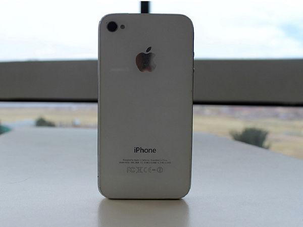 اپل آیفون های قدیمی را تعمیر می کند