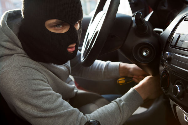 فیلم:: توصیههای یک سارق سابقهدار برای جلوگیری از سرقت خودرو