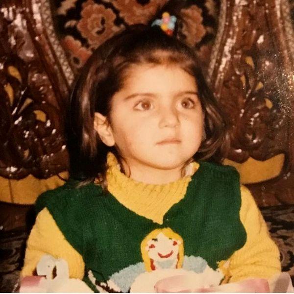 عکس با نمک خانم بازیگر در دوسالگی