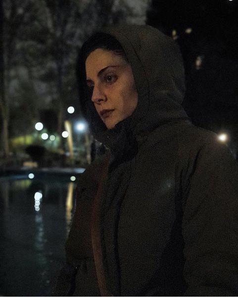 گشت و گذر خانم بازیگر در شب های قرنطینه + عکس