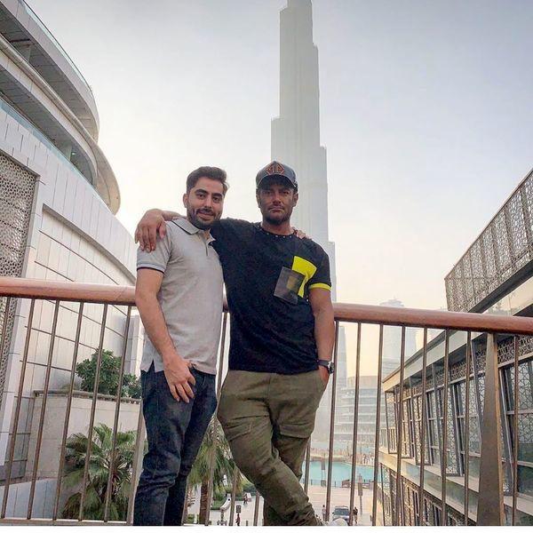 گلزار و برادرش در خارج از کشور + عکس