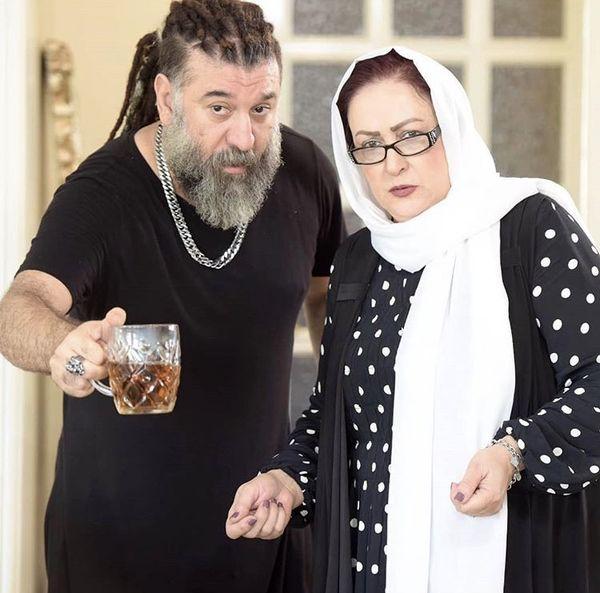 علی انصاریان و مادربزرگش + عکس